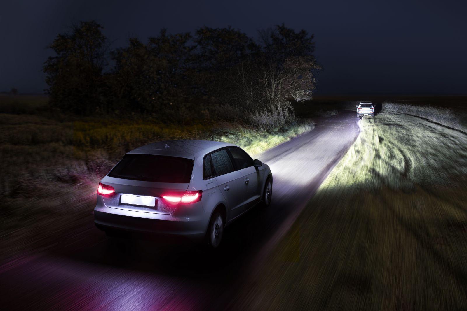 Osram Night Breaker Laser Next Generation Vs Philips Racingvision Powerbulbs Ca